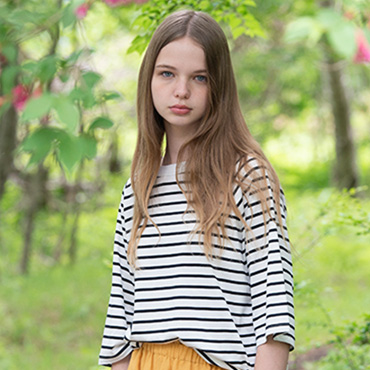 Stripe top / Long skirt
