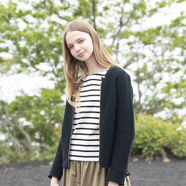 zip kint / stripe top / wide pants