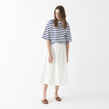 Border T-shirt/Embroidery skirt
