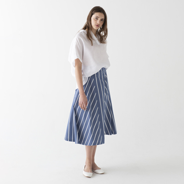 Linen shirt/Stripe skirt