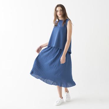 Sleeveless knit/Pleated skirt