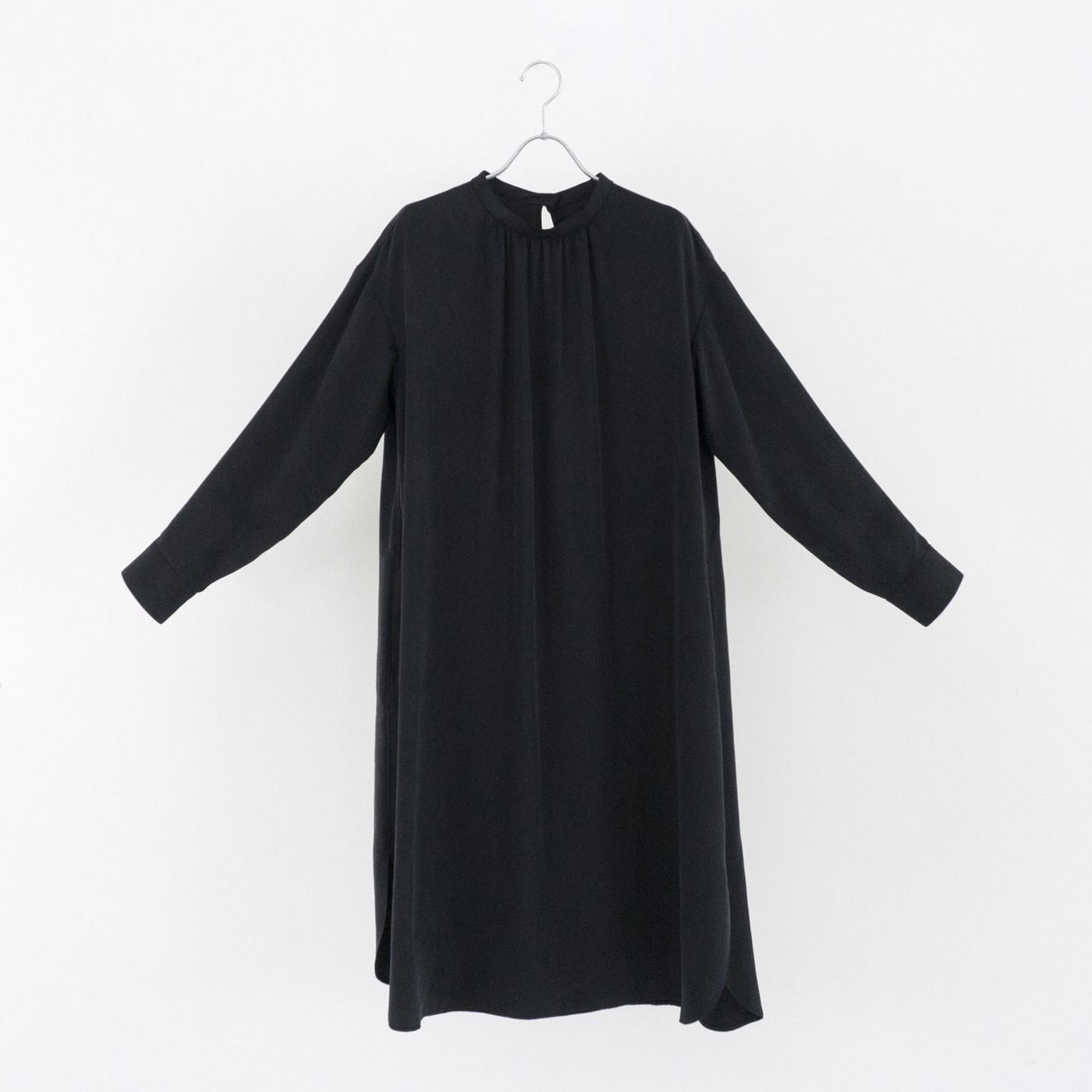 195536 black ¥25,000+tax