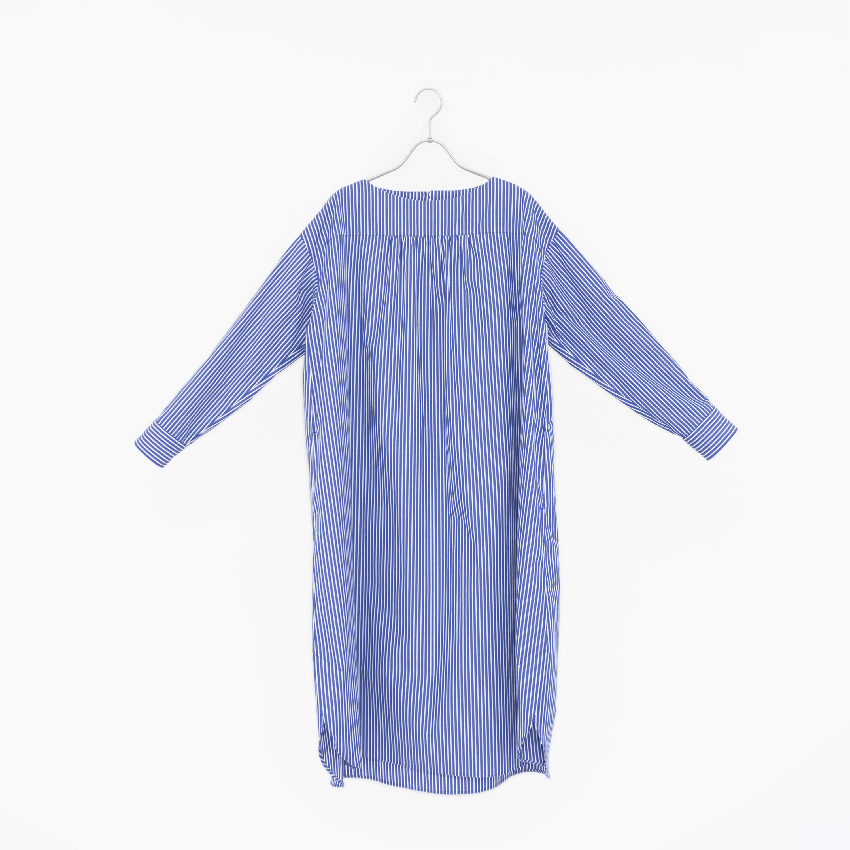 195812 blue × white ¥25,000+tax
