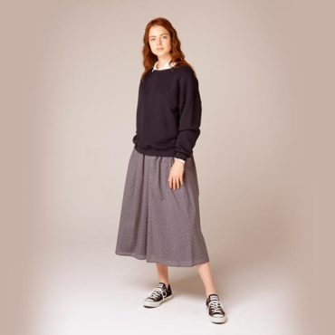 Sweatshirt / shit / Small floral skirt