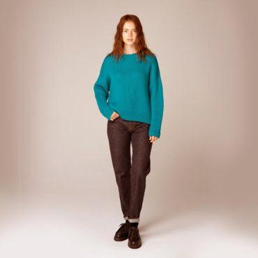 Knit sweater / Denim pants